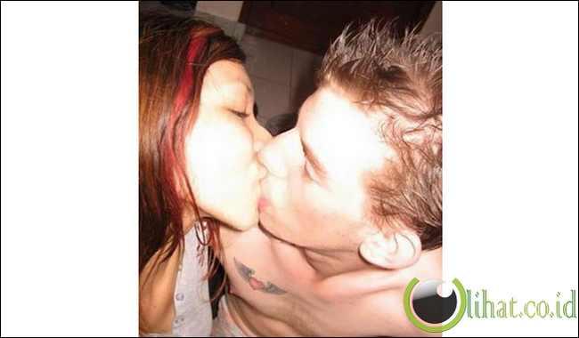 Ciuman Mey Chan