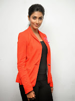 Pooja Hegde Sizzling photos gallery-cover-photo