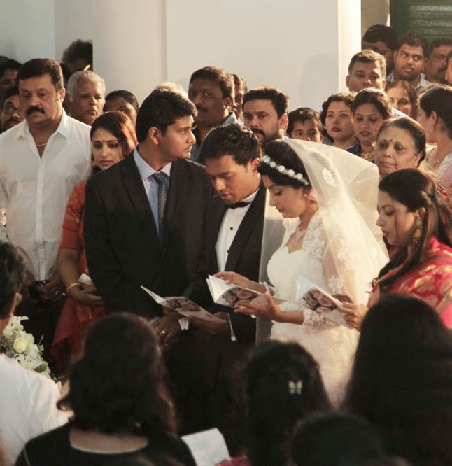 Meera Jasmine Anil Josh wedding photos gallery-HQ-Photo-9