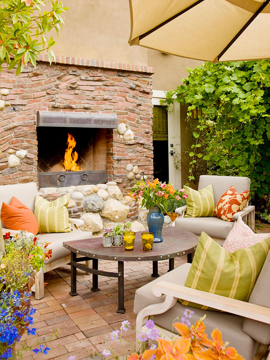 Modern furniture patio decorating tips for summer 2013 for Outdoor summer decorating ideas