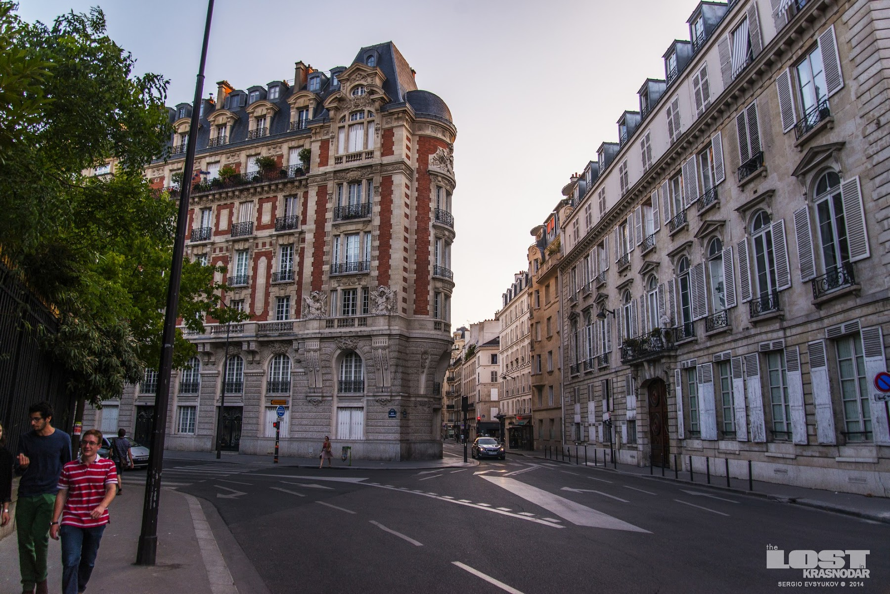 street in the 6th arrondissement of Paris