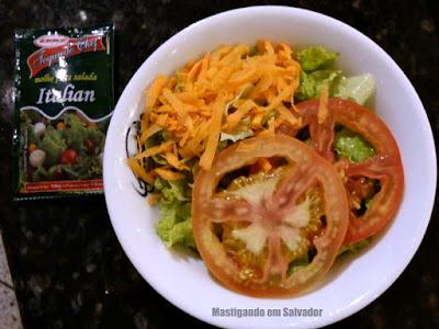 Griletto Grelhados e Parmegianas: Salada de Tomate, Alface e Cenoura