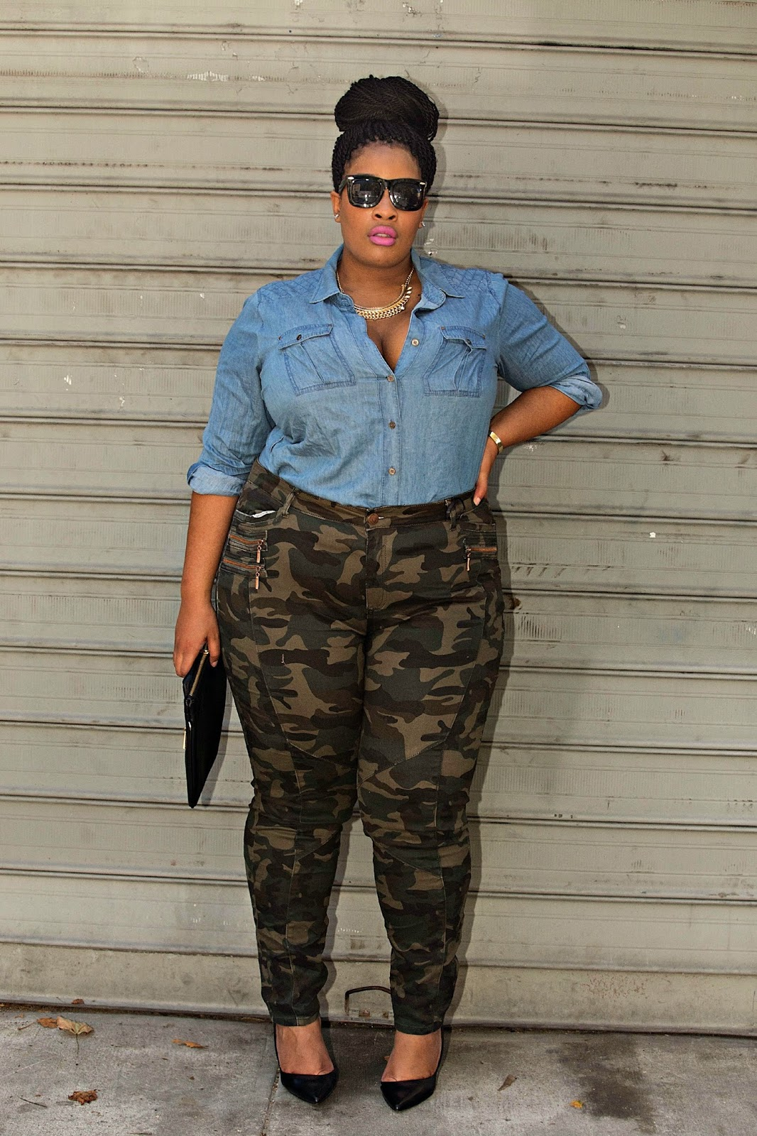 Shop Fatigues Army Navy for the Womens Military Fashion Collection. We will style you out in womens casual street wear military fashion from head to toe with accessories and bags.