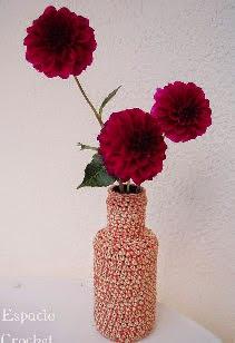 http://www.espaciocrochet.com/2011/07/jarron-crochet-crochet-vase.html