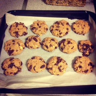 OATMEAL RAISIN WALNUT COOKIES WITH DARK CHOCOLATE (and a lot of ...