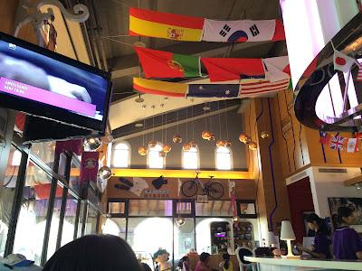 Day - 小小食記。 : 2o15.o7.o4 - 義大「犀牛運動餐廳」