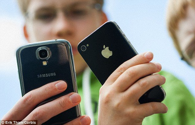 Apple Slows Down old Devices With New Updates to Encourage People to Buy Their Newer Devices