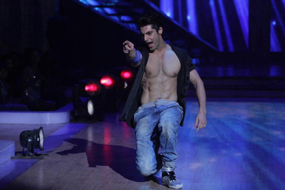 Karan Wahi Shirtless Dare to bare : ...