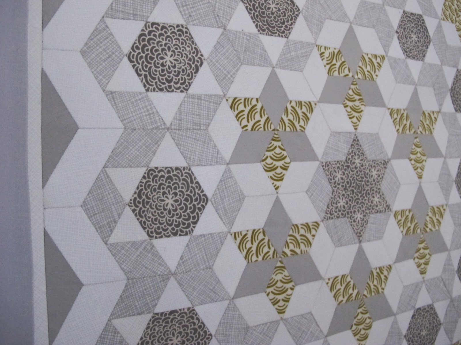 English paper pieced wall hanging