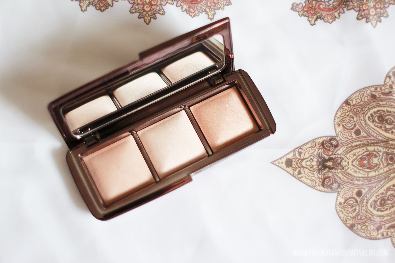 Hourglass Ambient Lighting Powder Palette Review, Swatches