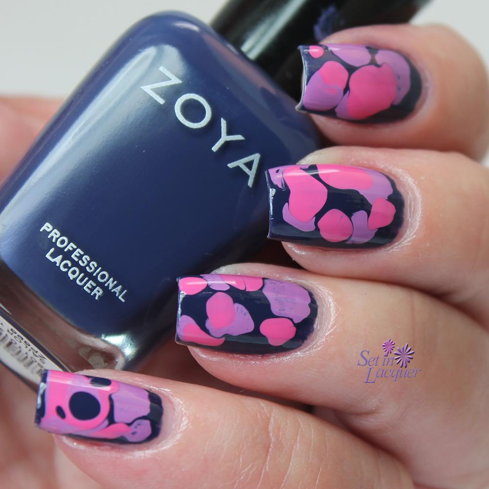 Blobbicure nail art