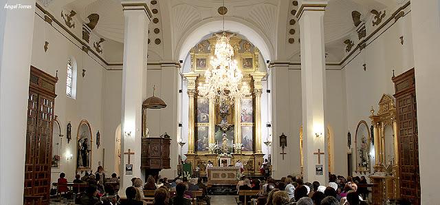 Interior de la Iglesia Santiago Apóstol