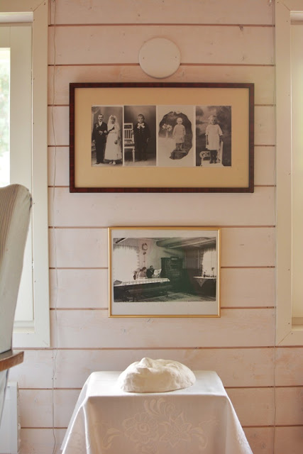 Muonamiehen mökki - Vanhat valokuvat ja kipsikasvot