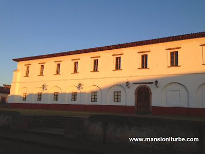 "Cultura Center in Pátzcuaro "" Antiguo Colegio Jesuita """