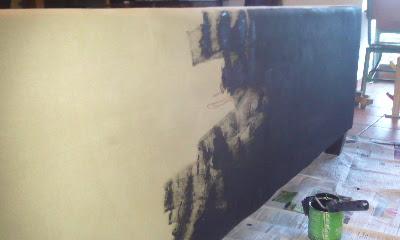 Peinture Canapé Tissu a l'ombre du marronnier: diy: repeindre son canapé