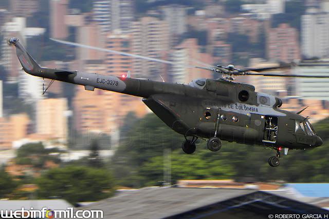 Un helicóptero MI-17 de la Aviación del Ejército aterrizó de emergencia en zona rural de Santa Fe de Antioquia; durante la maniobra, la tripulación sorteó la emergencia y evitó un accidente. Inmediatamente, inició la labor de recuperación de la aeronave en el área de operaciones.
