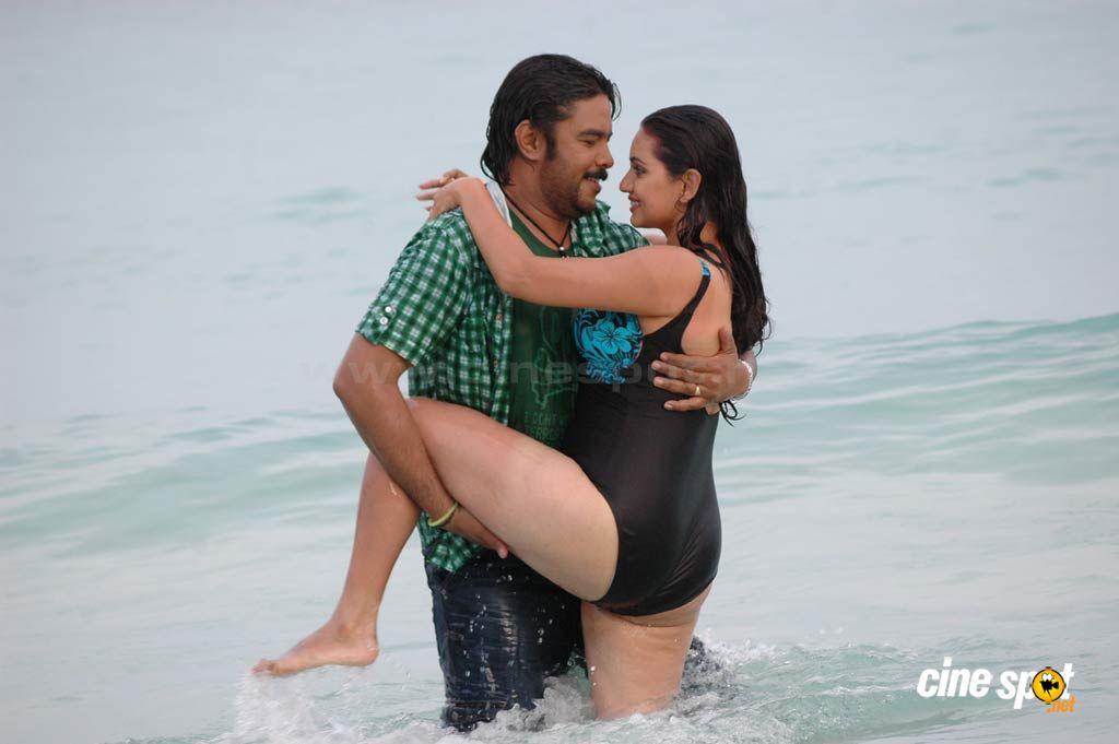 hot actress hot tamil actress shruti marathe s ass cheek