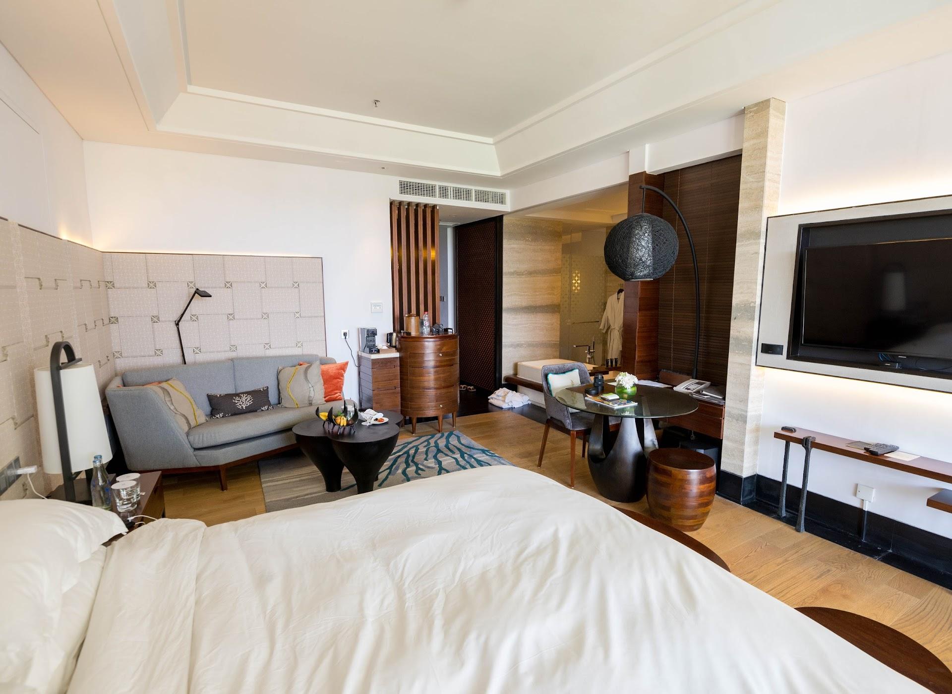 best hotels in bali, honeymoon resort, bali nusa dua, travel blog, couple travel bloggers, asian korean blogger, japanese, california san francisco bay area travel blogger, value hotels in bali, southeast asia