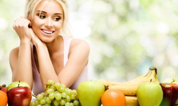 girl eats fruits for healthy diets