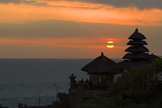 Tempat Lokasi Wisata Menarik Tanah Lot Di Bali