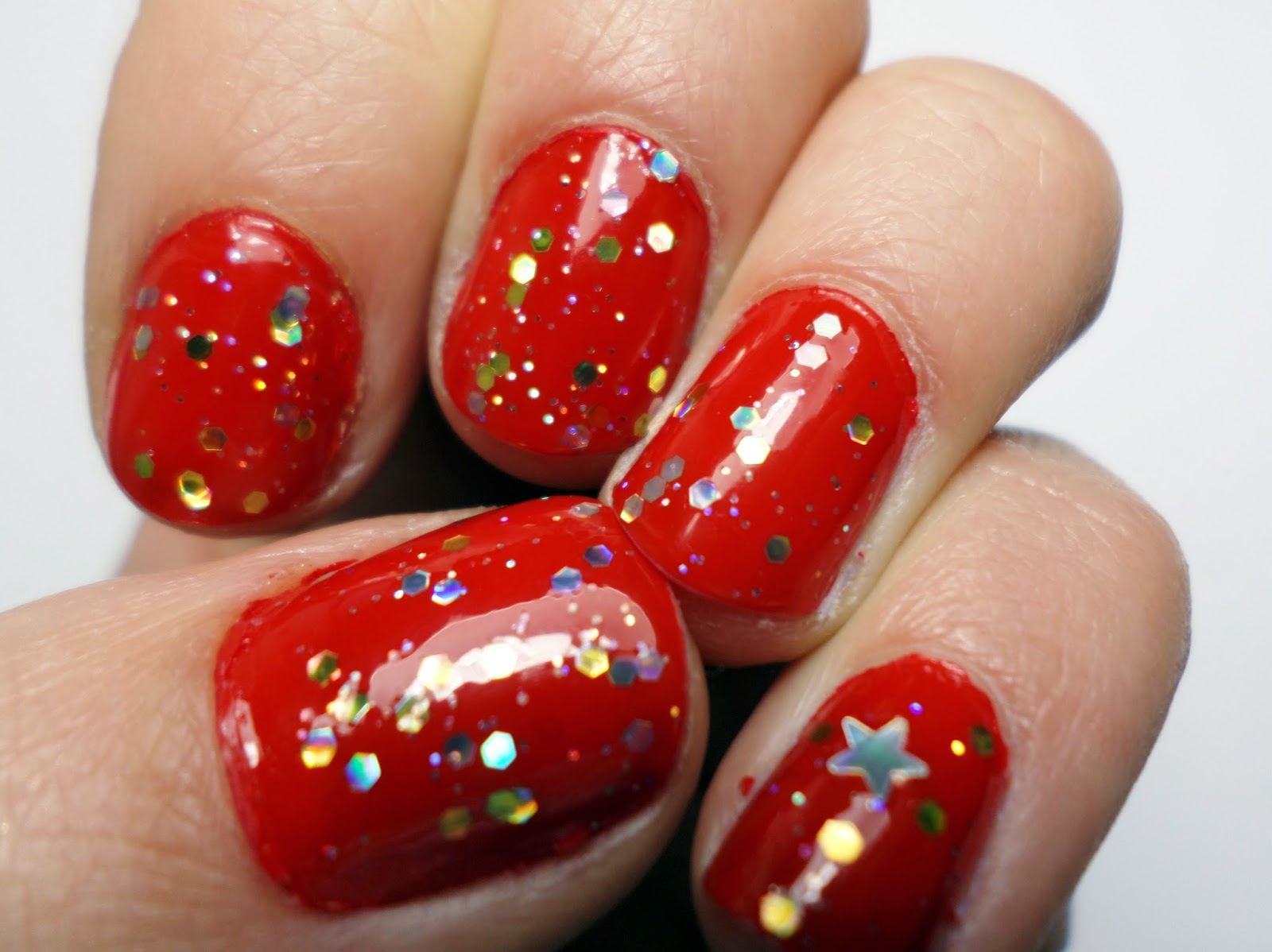 L'Oreal Color Riche 408 Exquisite Scarlet, Barry M Nail Paint in Starlight & Seche Vite Top Coat