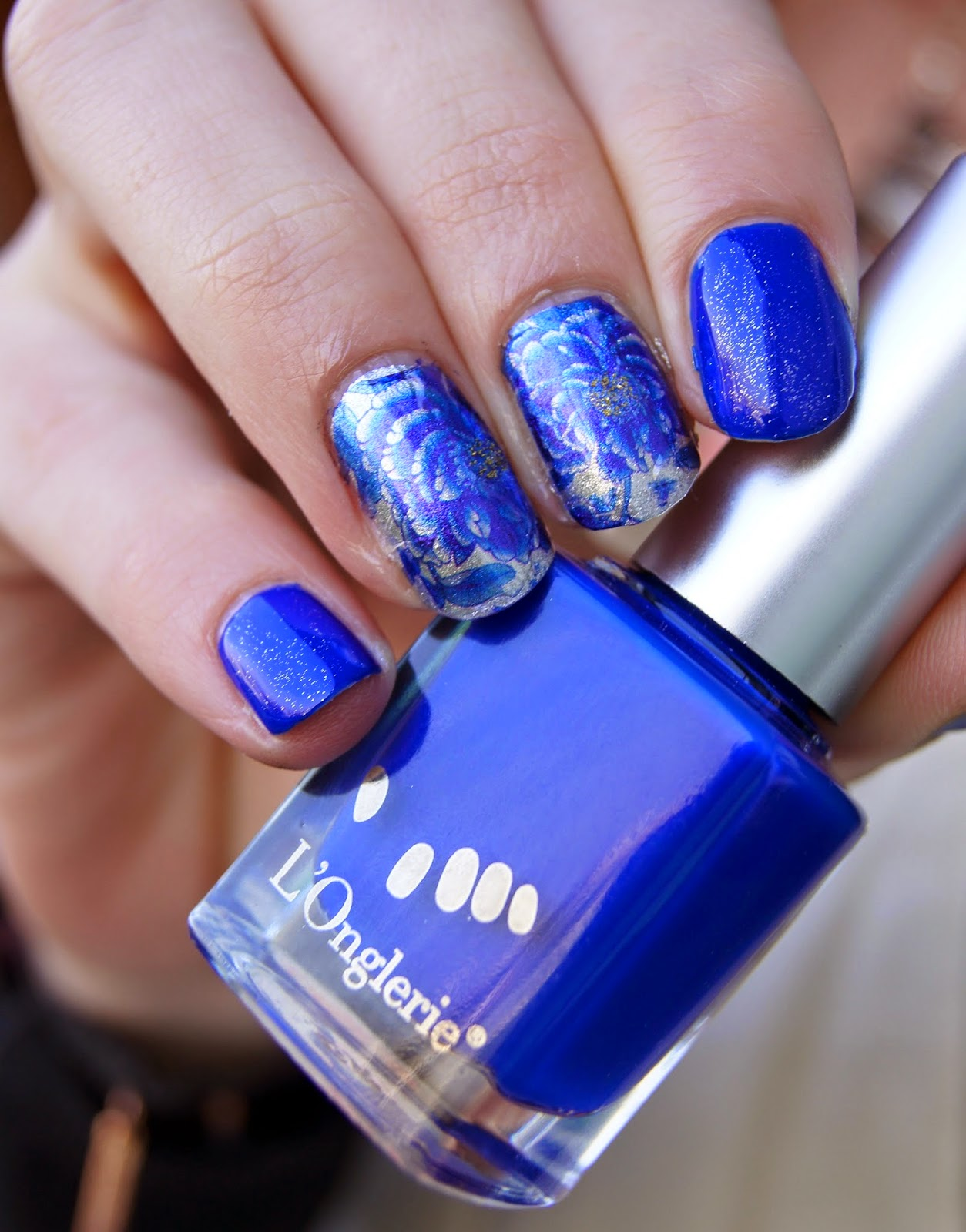 water decals blue flowers