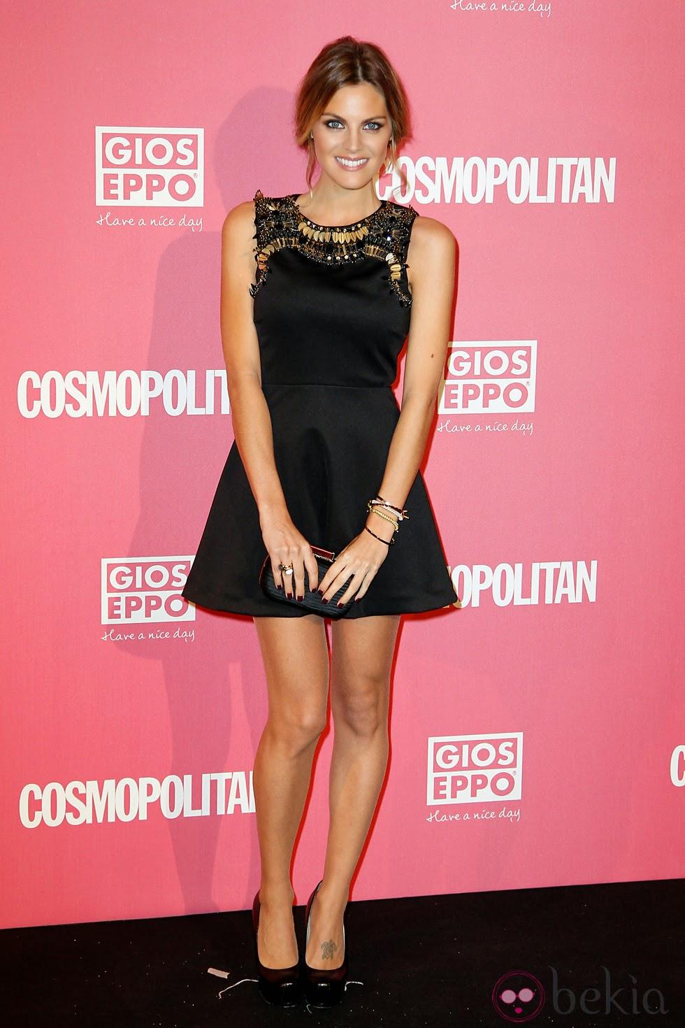 Vestido negro y zapatos rosa palo – Vestidos de moda de esta temporada