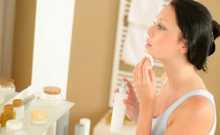 Tehnik membersihkan wajah sebelum tidur