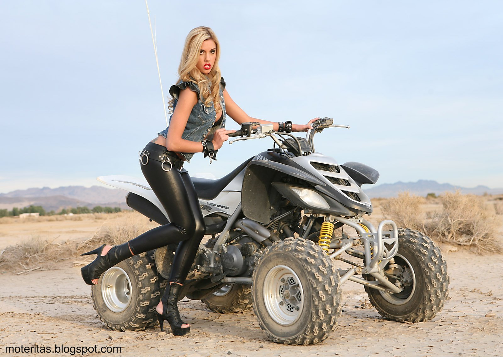 motos-mujeres-cuatriciclos-quad-wallpaper-ropa-paisaje