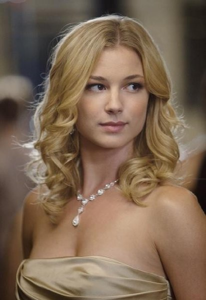Emily VanCamp Height, Weight An d Body Measurements