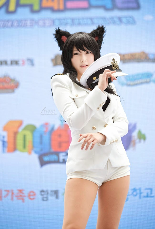 Girls Generation Ahri Cosplay Tasha: Ahri (Girls Gen...