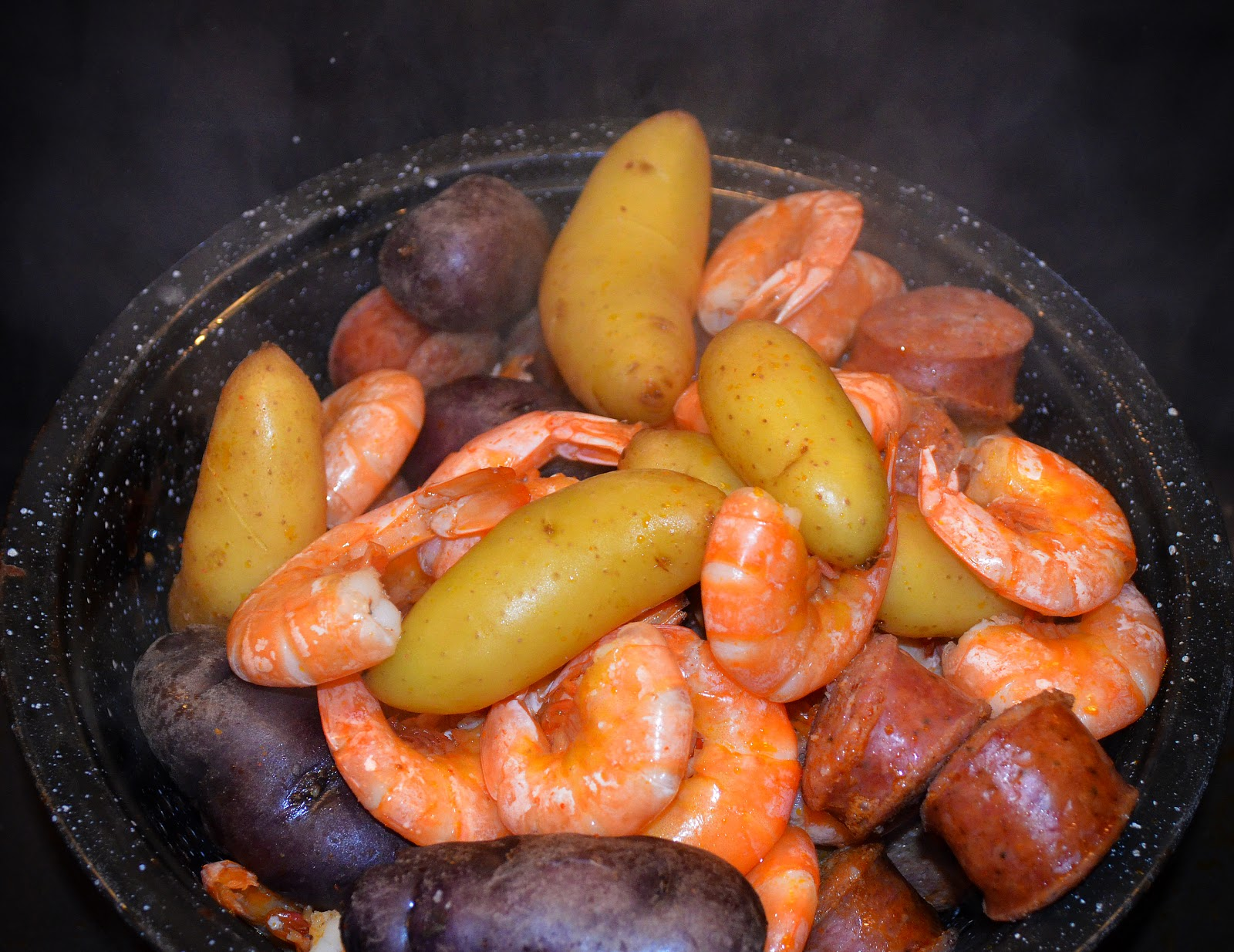 the sassy stove : Easy Cajun Shrimp & Sausage Boil
