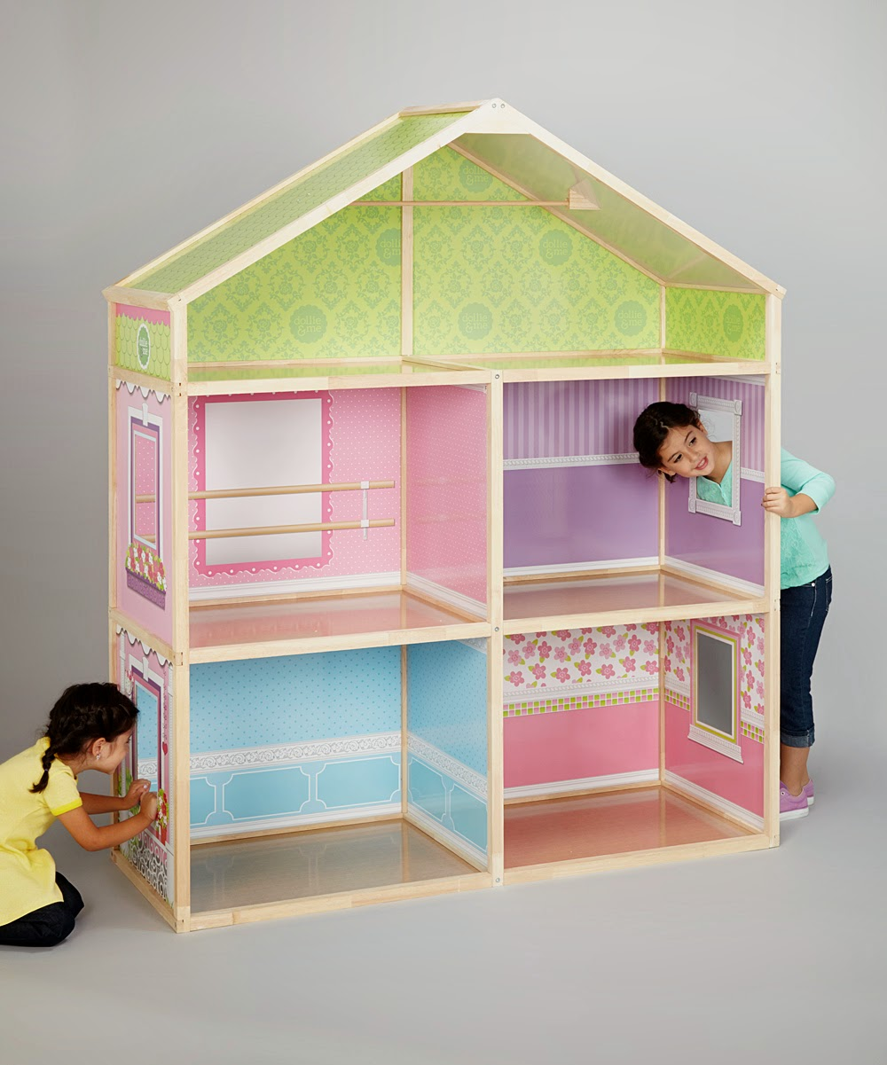 I decided to use my daughter old doll house and transform