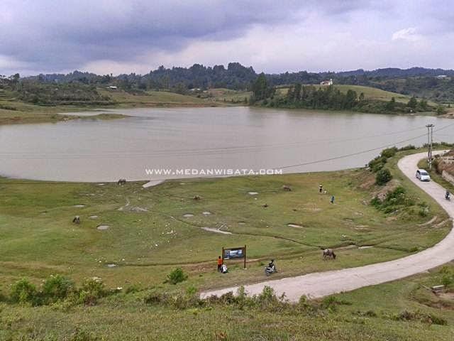Danau Sidihoni Samosir