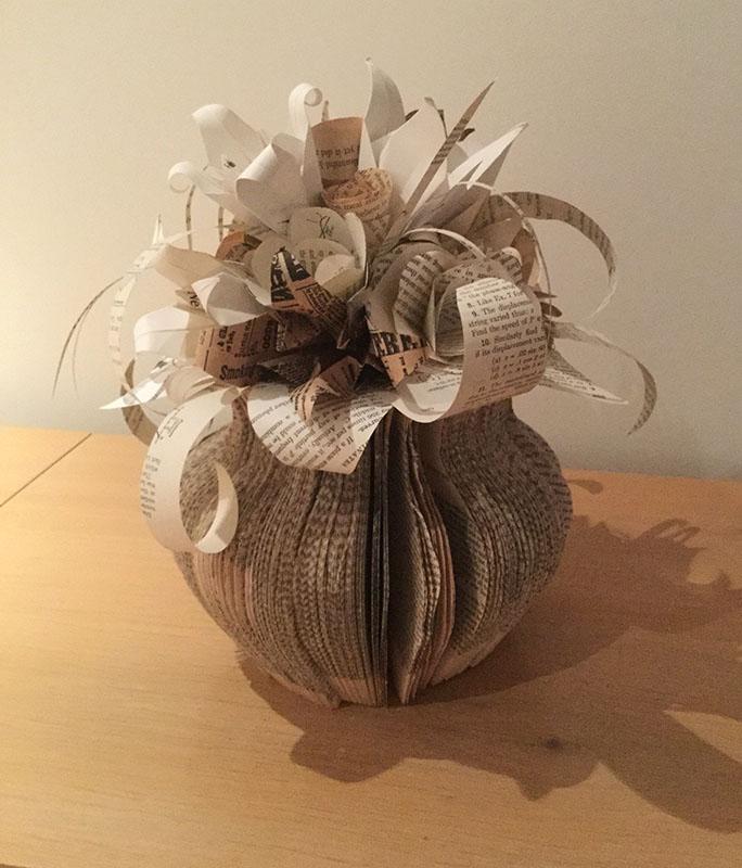 KJF DESIGN Flower Vase Book Sculpture