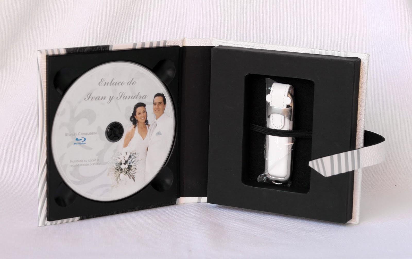 Estuche para 1 DVD y USB abierto