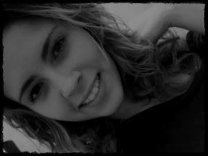 E quando todos te abandonarem, os verdadeiros ficarão pra te fazer sorrir.''''