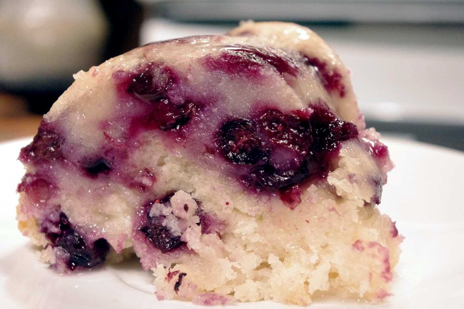 Bite me, I'm vegan: Blueberry Lemon Bundt Cake
