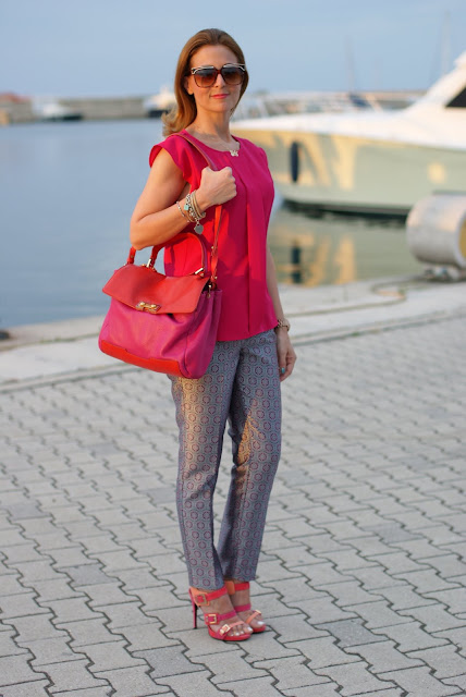 Fuchsia outfit, Cesare Paciotti sandals, Fashion and Cookies