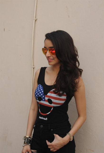 Shraddha Kapoor Looks Super Sexy At Film 'ABCD 2′ Promotions