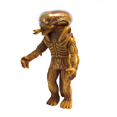 "New Year's Eve 2016 Exclusive ""Sinister Sandstorm"" Edition Alien Popy Vinyl Figure by Super7 & Secret Base"