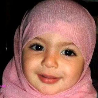 Foto bayi imut cantik muslim berhijab