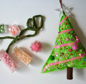 http://www.ihanna.nu/blog/2015/12/crafting-christmas-tree-felt/