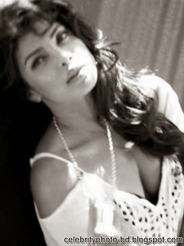 priyanka+chopra+latest+guess+ad+photoshoot+photos001