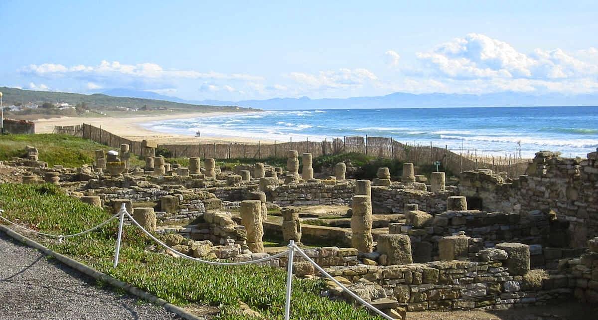 Las ruinas de Baelo Claudia en la playa de Bolonia, Tarifa