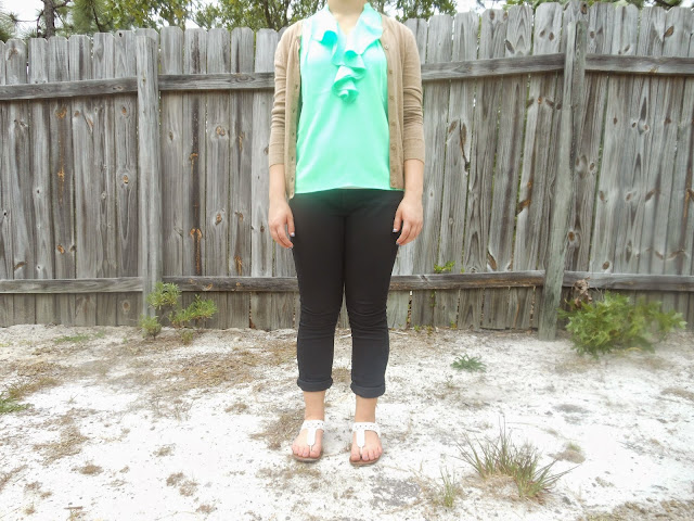 Capsule Wardrobe Outfit #2: Mint?. Black skinny jeans, green blouse, tan cardigan, white sandals. #capsulewardrobe #BowsandClothes #ootd #outfit