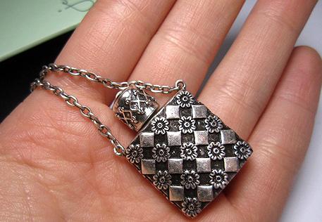 Jewelmint Persephone Pendant