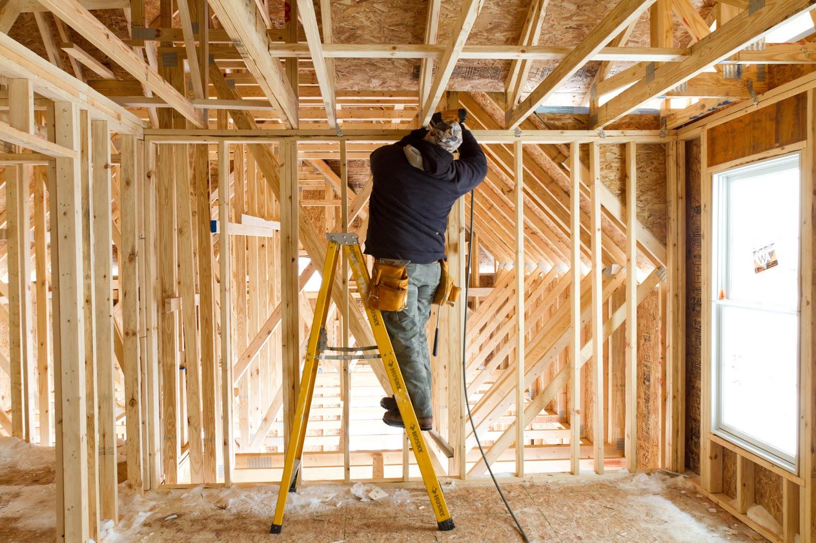 Как быстро построить домик своими руками фото