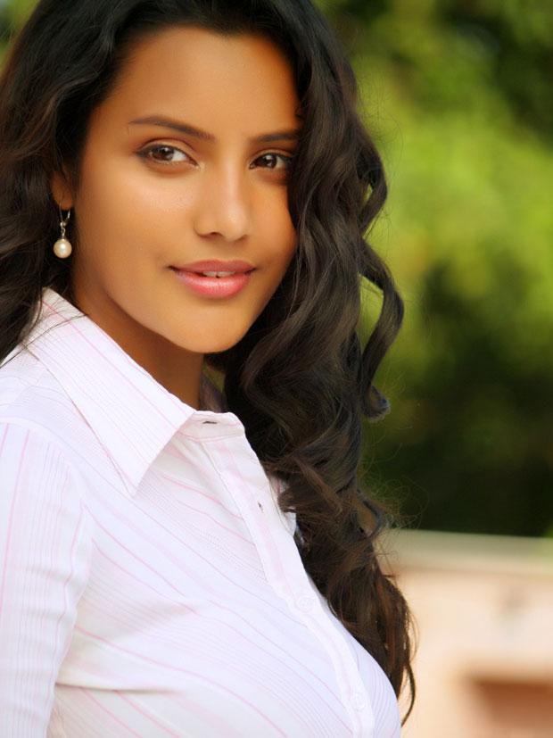 Priya Anand in half saree stills