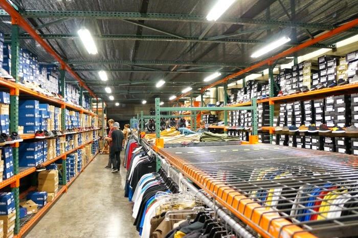 etnies factory store in Lake Forest // livingmividaloca.com #etniesKidsBTS
